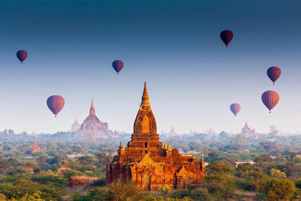 Hot-air-balloon-over-Bagan-3-of-42